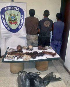Policía Municipal capturó a presuntos responsables de la profanación de tumbas. Foto Prensa Alcaldía de Valencia, octubre 30 de 2018.