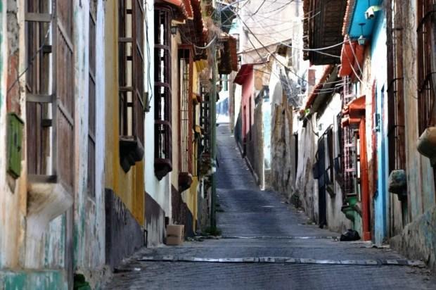 El casco histórico de La Guaira reúne patrimonio y cultura en un espacio relativamente pequeño. Esa potencialidad es la que desea rescatar Contreras. Foto Cruz Sojo, 2018.
