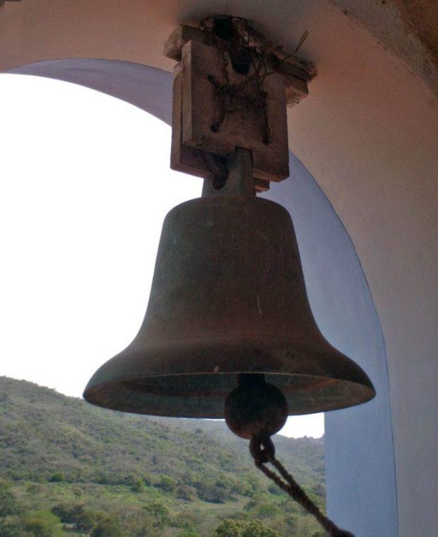 Las campanas de Lobatera. La campanilla de plegaria (la Tin, sin fecha). Foto Samir Sánchez, 2007.