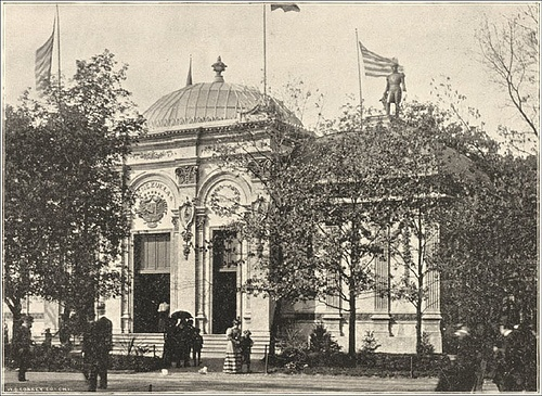 Otro aspecto del edificio de Venezuela y la estatua de El Libertador. Foto Venezuela Building at of the World's Columbian Exposition, 1893. flickr.com.