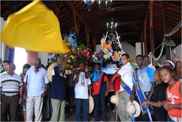 Los feligreses acuden para agradecer a san Benito por los favores concedidos. Esperan que esta distinción sea tomada en cuenta por la Unesco. Foto Evelyn Cannán, diciembre 2018.
