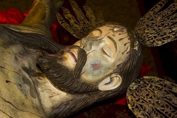 Sección frontal izquierda (derecha del observador) del rostro del Santo Cristo de La Grita, Táchira. Foto Abel Gerardo Rodríguez, TRT, 2013.