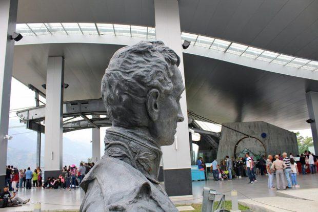 Monumento a El Libertador en el pico Bolívar de Mérida. Patrimonio cultural venezolano. Sin una placa que lo identifique, el busto de El Libertador pasa desapercibido para la mayoría. Foto Samuel Hurtado, marzo 2019.