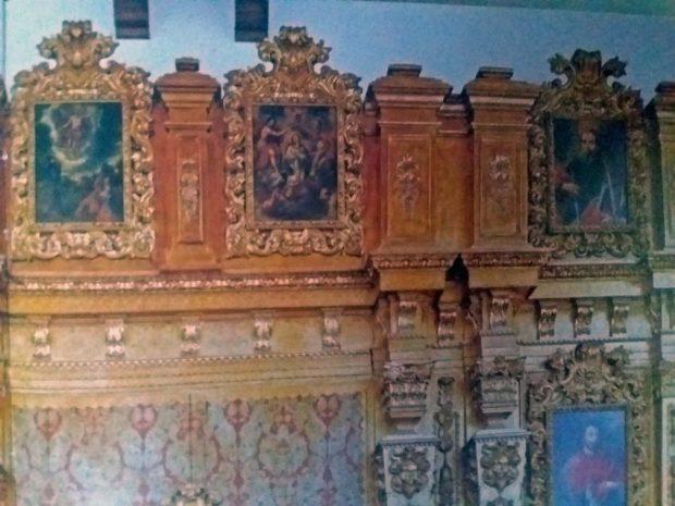 En el retablo de la sacristía de la Catedral de Caracas se aprecian cuadros del maestro Juan Pedro López, uno de los artistas más importantes del período hispánico venezolano. Foto en el libro Historia de la Catedral de Caracas, de Carlos F. Duarte y Graziano Gasparini.