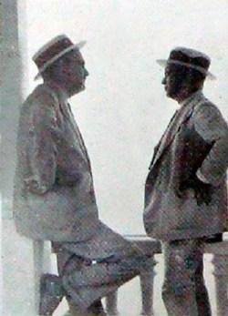 De Izquierda a derecha Luis Bello Caballero y Alejandro Chataing en el Hotel Miramar de Macuto