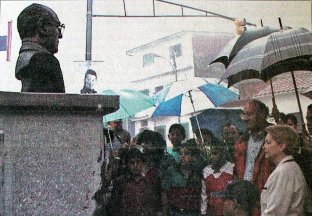 Inauguración del monumento a Germán Briceño Ferrigni. Mérida, Venezuela. Foto Dicos. Fuente Frontera, 22-7-2000. Dig. Samuel Hurtado C.