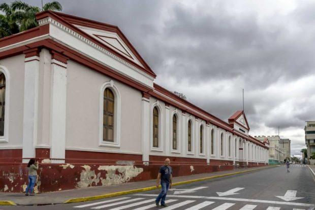 Fachada del Museo de Barquisimeto que da hacia la calle 17. Foto Rodolfo Pimentel_Wikimedia Commons, marzo de 2017.