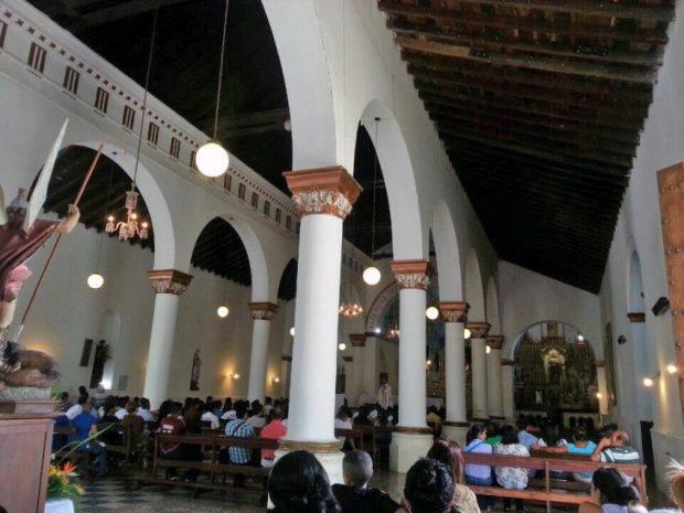 Interior de la iglesia Inmaculada Concepción, Barquisimeto. Foto Adaymar R_Foursquare, febrero de 2014.