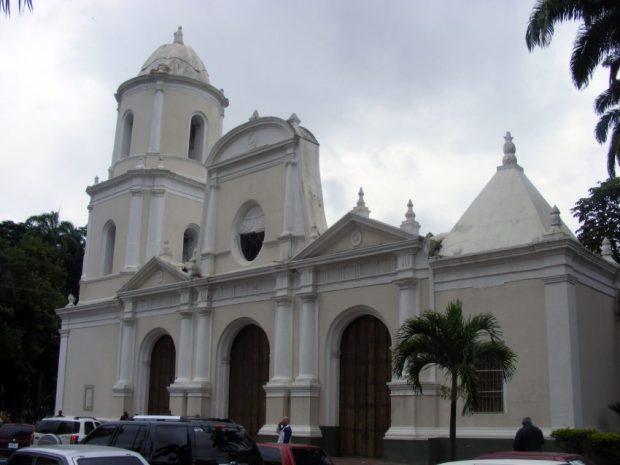 Frontis de la iglesia Inmaculada Concepción, Barquisimeto, Lara. Foto Jujovar2010 / Wikimedia Commons, junio 2012.