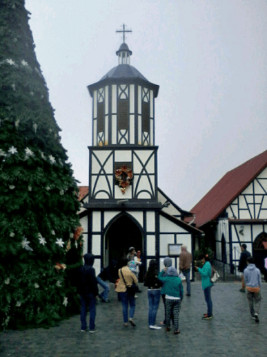 Iglesia San Martin de Tours. Foto Mildred Maury, Diciembre 2016.