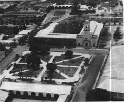 La plaza en década de los 60.