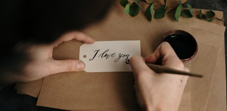 作家H:不應該用上一段的傷口,來當作之後你不敢全心全意去戀愛的藉口!