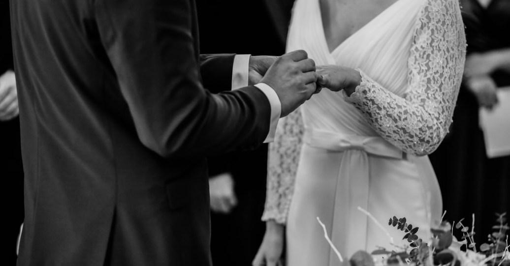 妳知道,結婚跟選擇重新投胎是同一件事情嗎?