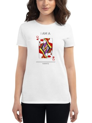 i AM A Queen of Hearts Women's short sleeve t-shirt