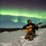 March 29th : Aurora selfie, crooning under the aurora