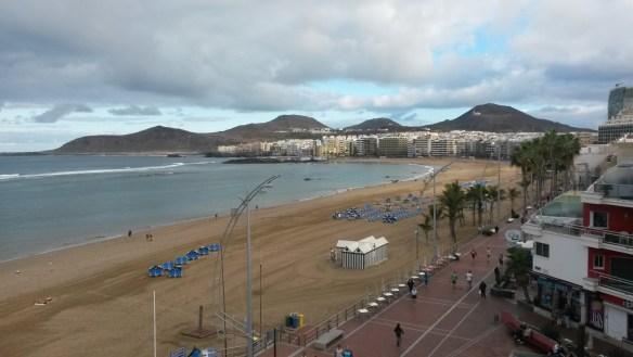 Тот же пляж днем