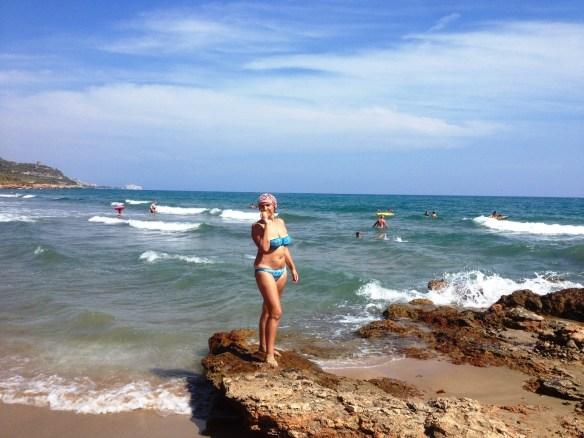 Средиземное море. Испания. Волны