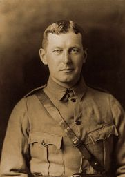MCRAE John_in_uniform_circa_1914