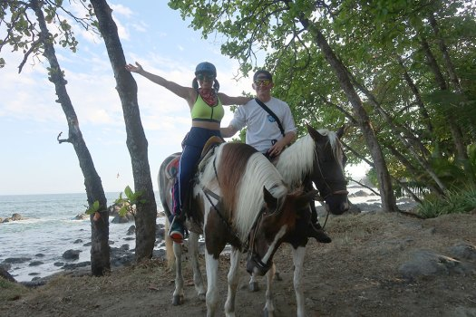 riding horses in Montezuma Costa Rica