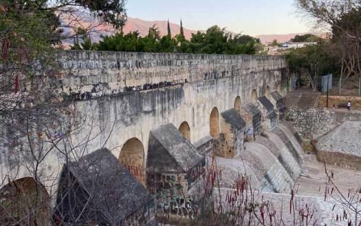 otra photo de arcos de xochimilco oaxaca