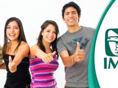 En México los estudiantes de nivel superior tienen derecho al IMSS