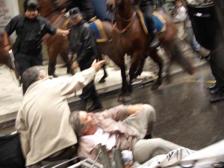 https://i1.wp.com/iarnoticias.com/images/varios/5_protesta_aumento_cospel_argentina.jpg