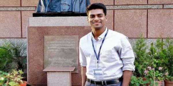 Anudeep Durishetty has appeared for the UPSC CSE exam five times. He topped it in his last and final attemp in the year 2017. Anudeep Durishetty Notes and Book is very helpful for aspirants.
