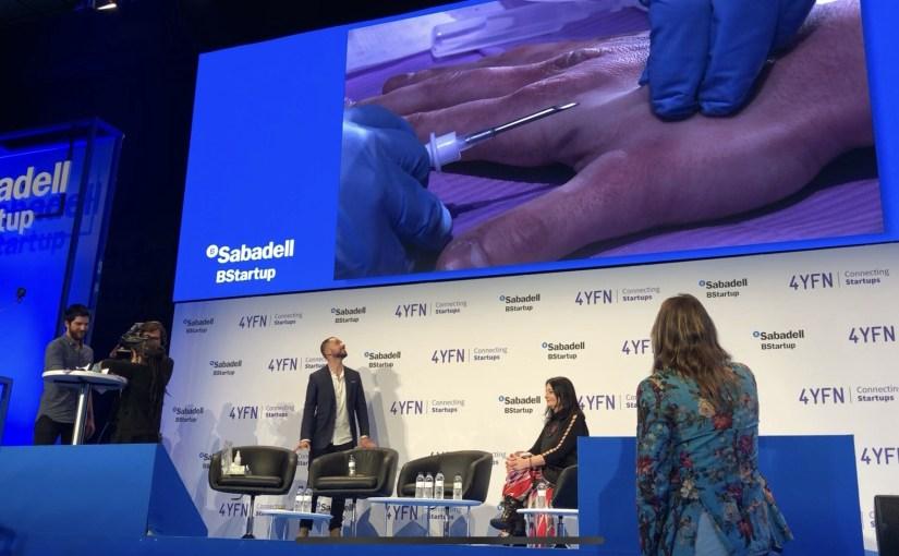 Biohacking: implant de puce sur scène pour créer un cyborg humain