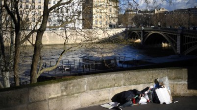 France pauvreté gouvernement social sans-abri