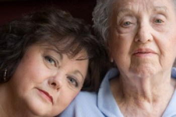 Elderly_Mother_And_Daughter_4387685