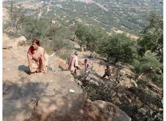 Climbing to Savitri Temple in Pushkar
