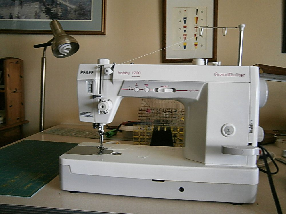 Pfaff GrandQuilter Hobby 1200- History and Tips (1/3)