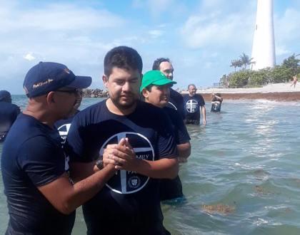 8 Fueron bautizados