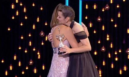 Penélope Cruz entrega Premio Donostia a Marion Cotillard