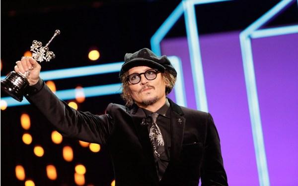 Johnny Depp recibe Premio de honor de San Sebastián