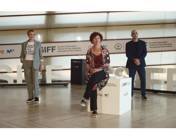 Maixabel emociona en su estreno en San Sebastián