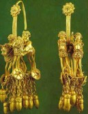 Части женского головного украшения, Садзегури, ок. IV в. до. н.э. Золото.