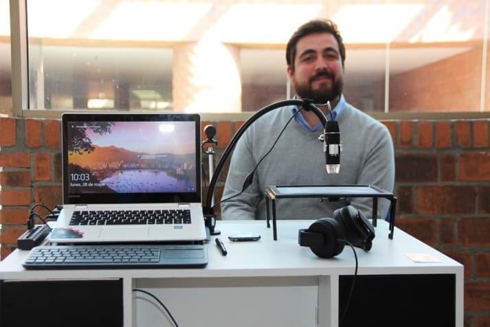 Resultado de imagen para Alumno de posgrado de la IBERO diseña escritorio interactivo para niños con discapacidad