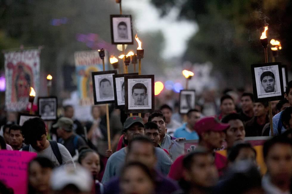 "Résultat de recherche d'images pour ""br""Ayotzinapa, el Paso de la Tortuga"" (Enrique Garcia Meza photos"""