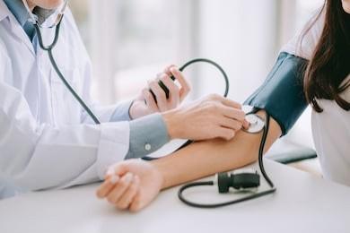 اعراض الضغط العالي أهم علامات ارتفاع ضغط الدم وكيفية التصرف 1