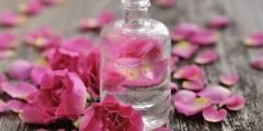 طريقة عمل غسول للوجه بماء الورد