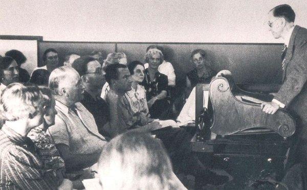 Charla del Círculo de Eranos durante 1938