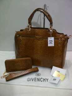 285rb;Givenchy Semi super 1959; 40x13x26cm,