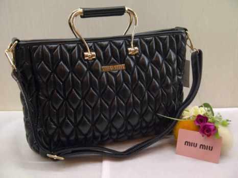 Miu-miu 8093 33x23x12 bahan kulit black 200