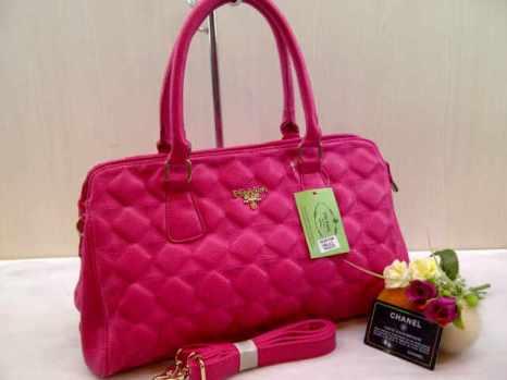 Prada 704010 38x22x14 bahan kulit pink 200(1)
