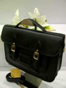 WX0 Cambridge Satchel 1211 Black SemSup 30x9x22