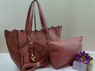 prada-568-2bag-31x25x14-semsup-bahan-kulit-pink-250rb