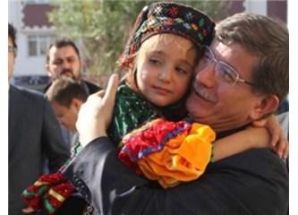 Dünyanın en şeker ve mütevazi başbakanı Davutoğlu, resimler