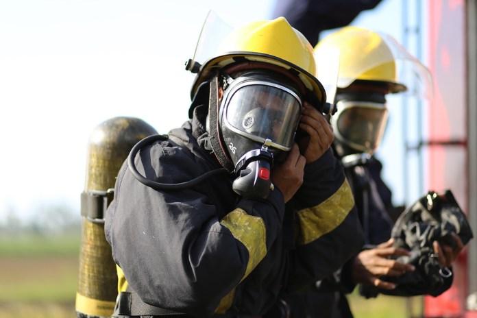 Tejido traje bombero