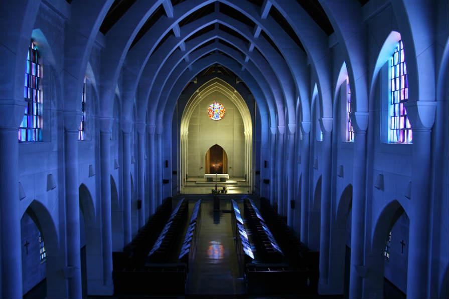 神聖な教会